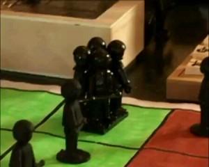 Die selbst gebastelten Playmobil-Shôgifiguren verleihen dem Spiel einen besonderen Charme.