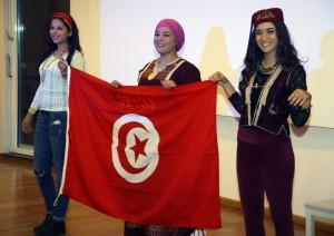 Tunesische Lebensfreude beim Tunesien-Tag und dem begleitenden Shatranj-Turnier. Foto: Bernd-Jürgen Fischer